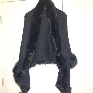 Accessories - Black Faux Fur Lined Shawl